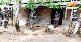 জুরাছড়ির দুর্গম এলাকায় খাদ্য সামগ্রী দিলো সেনাবাহিনী